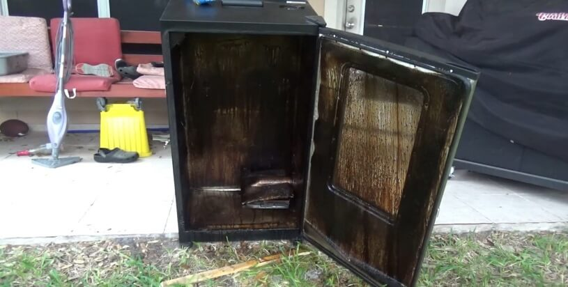 cleaning outside of electric smoker