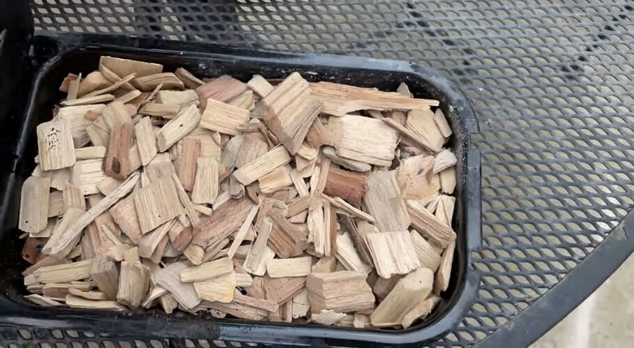 wood in PIT BOSS 77220 tray